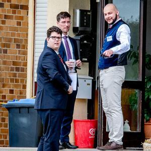 Foto mit Yannick Noé (Arcadi), Felix Menzel (Blaue Narzisse) und Sven Kachelmann (JA-Landesvorsitzender)